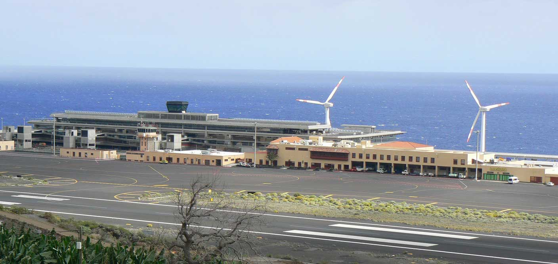 Resultado de imagen de El aeropuerto de La Palma